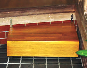 ウットリー玄関踏み台 天板ななめ加工