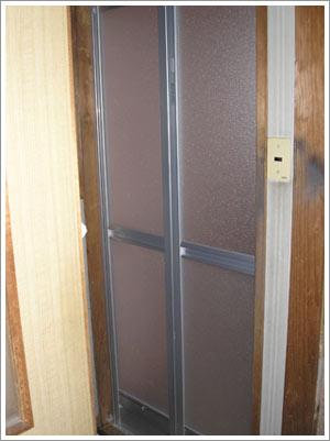 施工後の浴室ドア
