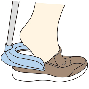 靴のフチに引っかけ