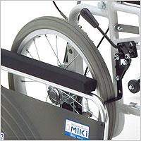 リクライニング車椅子 介助用 BAL-14 無段階リクライニング 施設・病院のハイポリマータイヤ