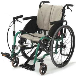 脚こぎ車いす 新ペダモ 片麻痺の方へ
