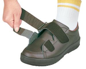 装具対応介護靴 Vステップ03の履き口