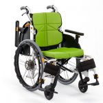 自走用車椅子を3点、介助用車椅子を3点加しました!